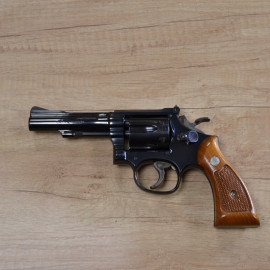 Revolver Smith & Wesson 18...